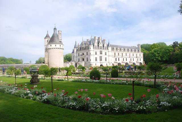chenonceau castle's gardens